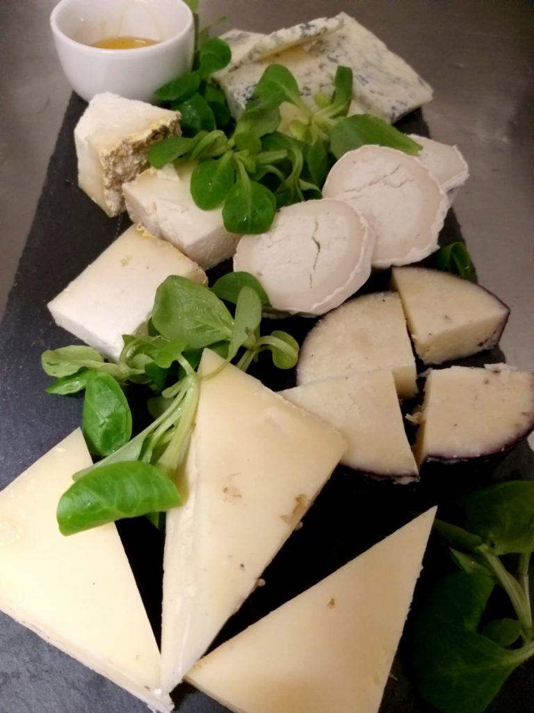la piola sabauda tagliere di formaggi e composte